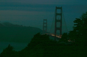 Golden Gate Bridge at night.lg